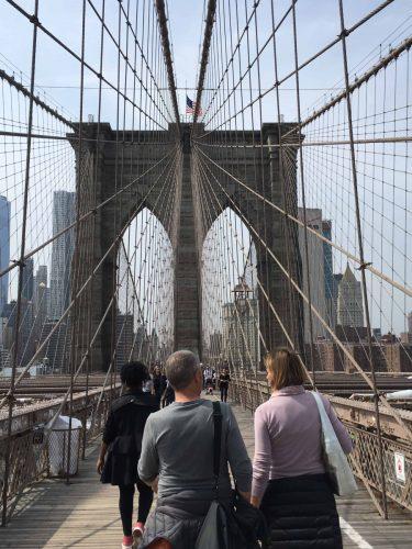La travagliata storia del ponte di Brooklyn