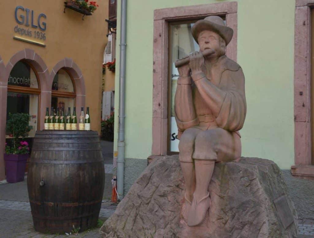 Statua del pifferaio in Alsazia