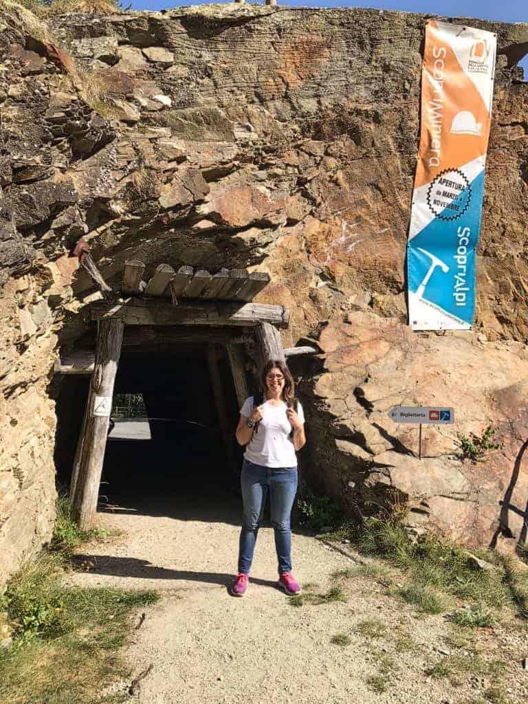 vicino all'ingresso della miniera di prali