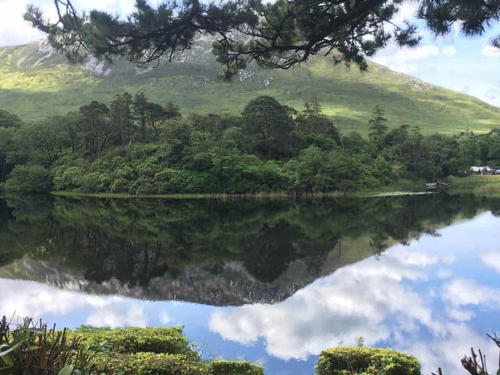 Lago di Kylemore Abbey