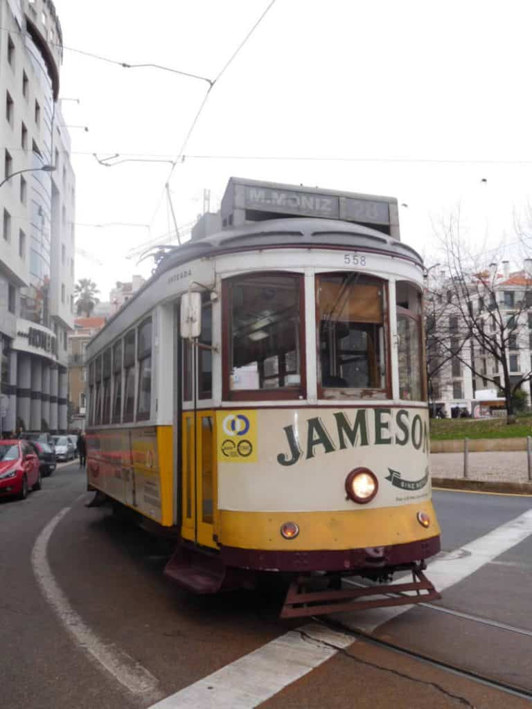 tram giallo n 28 storico