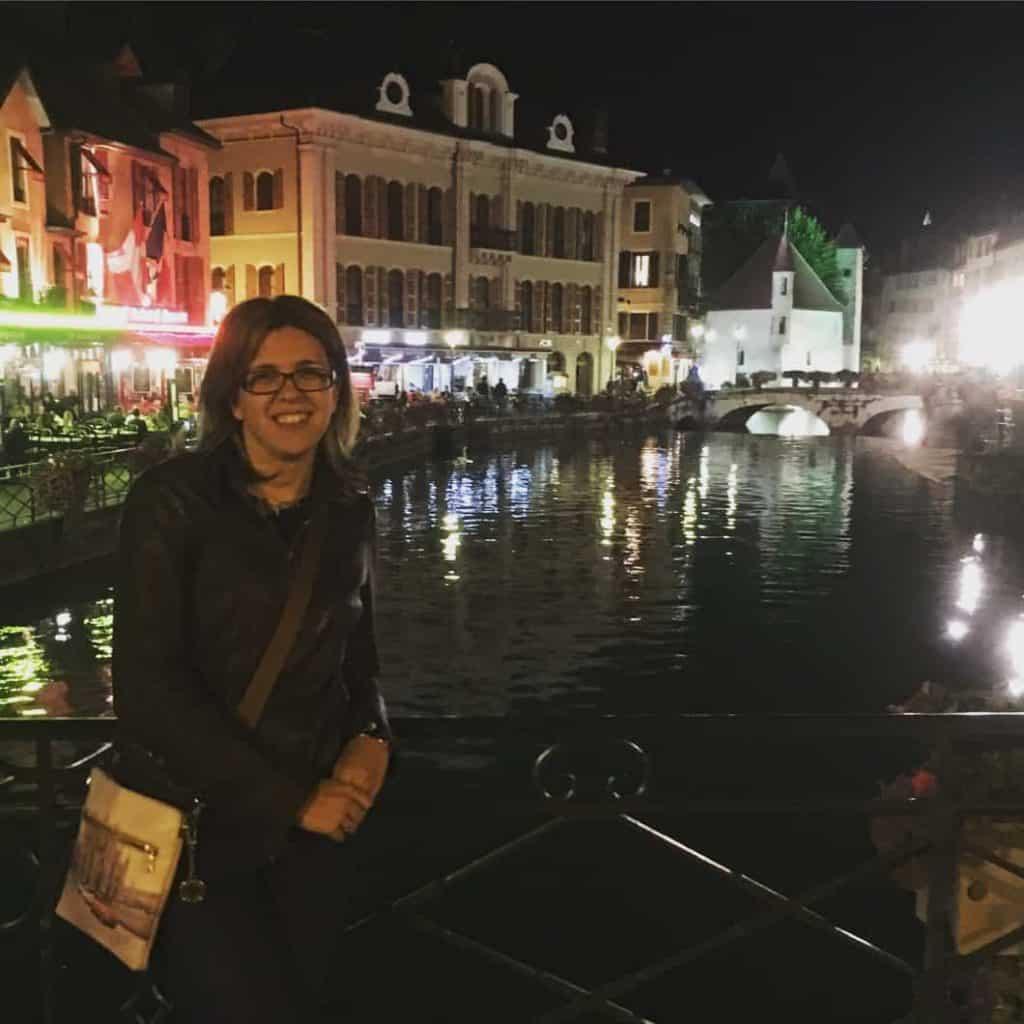 Annecy sul lago di notte