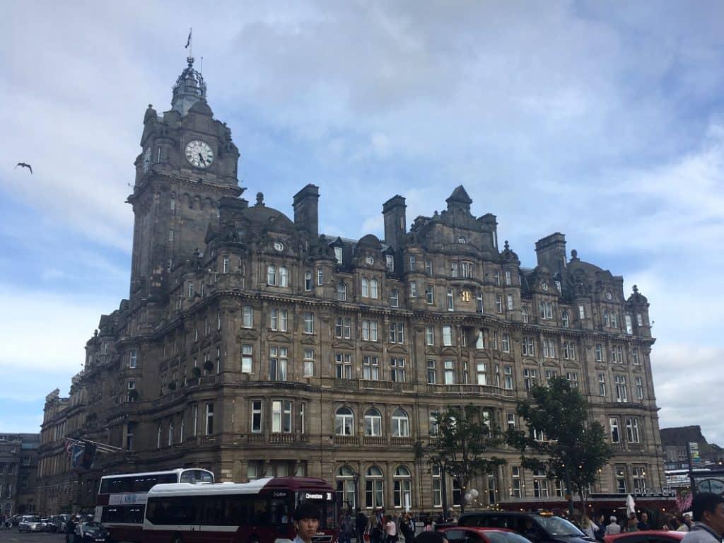 Edimburgo uno degli edifici della old town