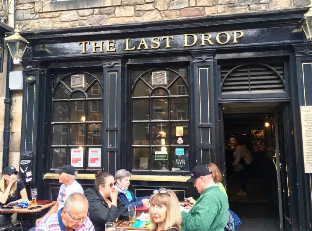The last drop pub a Edimburgo